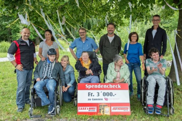 Spendencheck-Übergabe im Rhyboot vom 03.07.2017